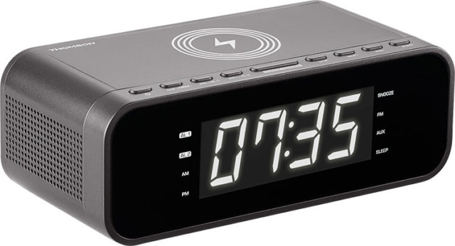Clock radio with wireless charger CR225I THOMSON – Image  #1